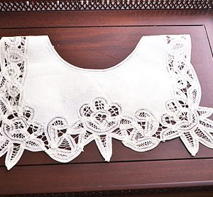 Battenburg Lace Collar # 822